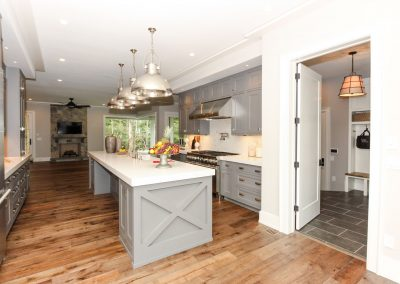 Loyd Buidlers Modern Farmhouse 010 Kitchen