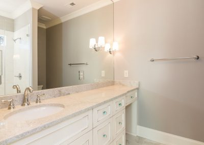 Loyd Builders MacGregor Downs Lot 168 035 Bathroom