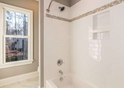 Loyd Builders MacGregor Downs Lot 168 037 Bathroom