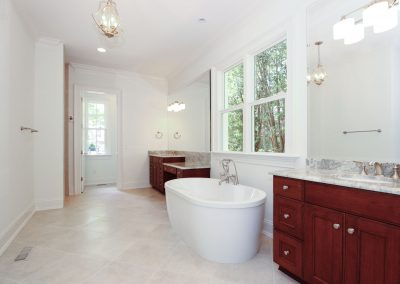 Loyd Builders MacGregor Downs Lot 249 015 Master Bathroom