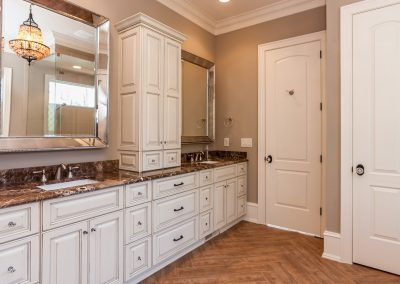 Loyd Builders MacGregor Downs Lot 99 022 Master Bathroom