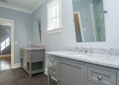 Loyd Builders MacGregor Lot 465 037 Bathroom
