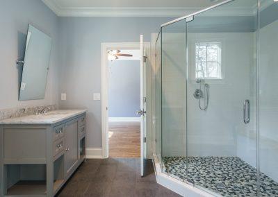 Loyd Builders MacGregor Lot 465 038 Bathroom