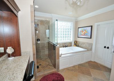 Loyd Builders Newstead Manor Lot 1A 014 Master Bath