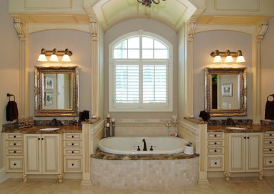 Loyd Builders Newstead Manor Lot 7 023 Master Bathroom