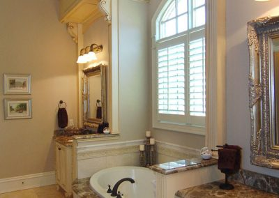 Loyd Builders Newstead Manor Lot 7 024 Master Bathroom