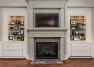 Loyd Builders Regency Lot 58 012 Fireplace