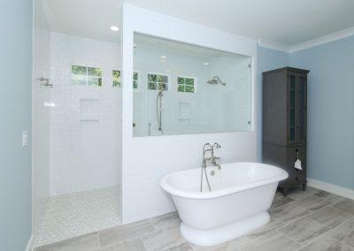 Loyd Builders Suburban Farmhouse 041 Master Bathroom