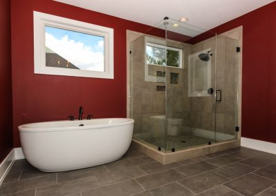Loyd Builders Lot 37 Colvard Farms 012 Master Bath Soaking Tube